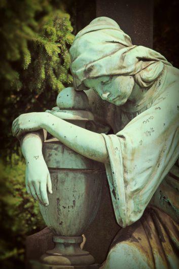 mourning-1547634